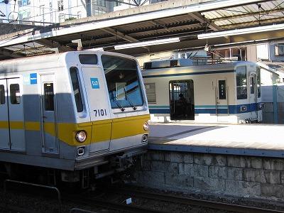 Tobu8000metro7000_asakadai