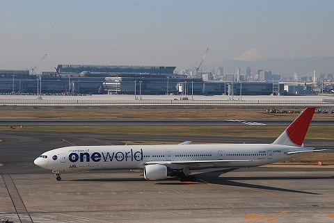 JALボーイング777-300@羽田空港'09.12.23