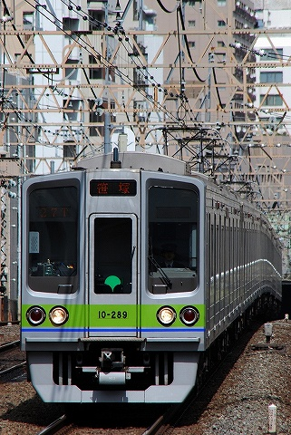 都営10-000形@笹塚'10.4.21-2