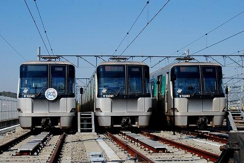 横浜市営地下鉄10000形@川和車両基地'11.10.29-3
