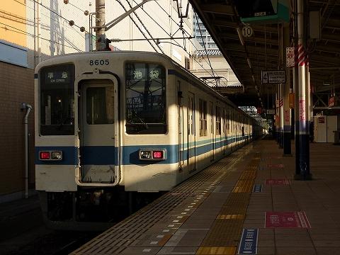 東武8000系@志木'11.11.23