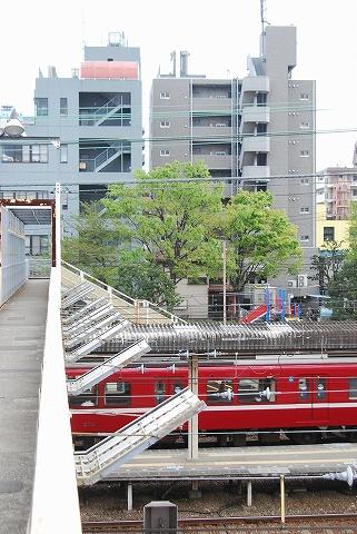 歩道橋@神奈川新町'12.4.21