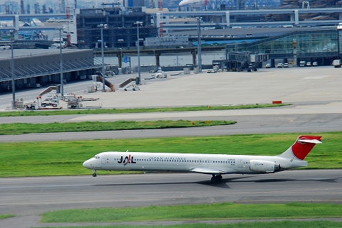 JLMD90@羽田空港'12.9.15