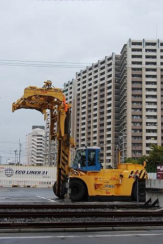 コンテナ用フォークリフト@隅田川貨物駅'12.10.28
