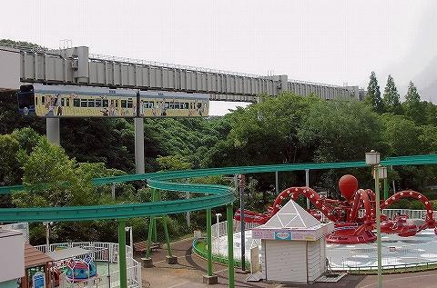 千葉都市モノレール1000形@動物公園'13.7.27
