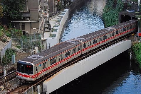 東京メトロ02系@御茶ノ水'13.11.4