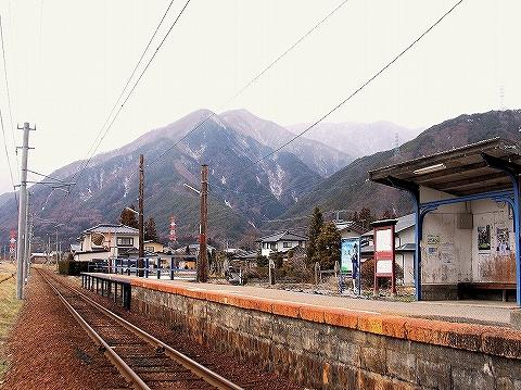 渕東駅ホーム'14.3.21