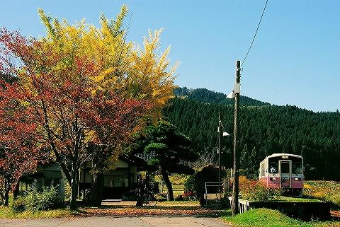 由利高原YR-2000形@黒沢'14.10.26