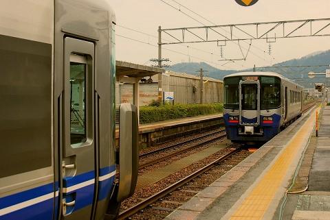 あいの風とやま鉄道521系&えちごトキめき鉄道ET122形@泊'15.4.19