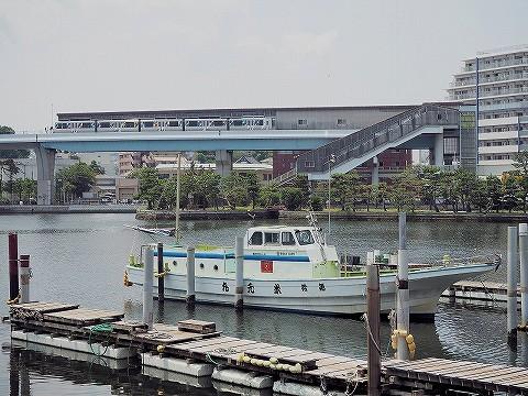 横浜シーサイドライン2000形@金沢八景'16.7.12