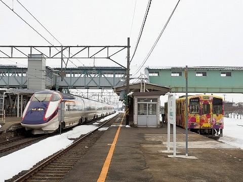 E3系&山形鉄道YR-880形@赤湯'17.3.4