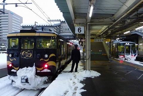 あいの風とやま鉄道413系&521系@富山'18.1.27
