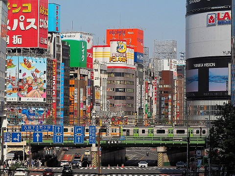 E235系@新宿'18.4.22