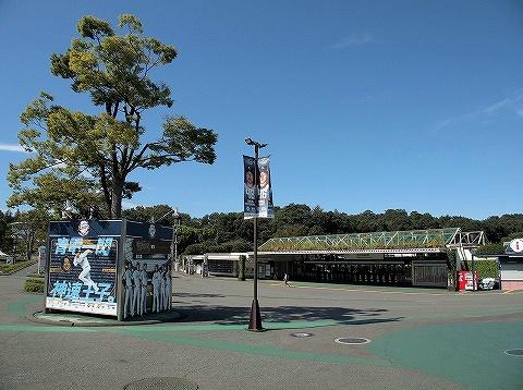 西武球場前駅舎'19.9.25